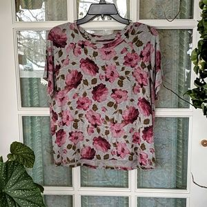 2/$20🌸AEO Floral T-Shirt